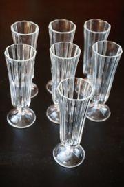 7 Sektgläser Pressglas