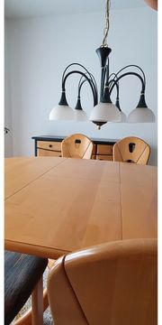 Esszimmer mit Tisch zum ausziehen