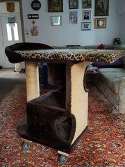 Katzenkratzbaum und Zubehör