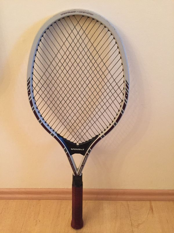 Tennisschläger Head und Völkl mit
