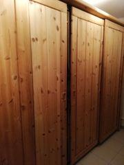 Schiebetürenschrank Holz massiv