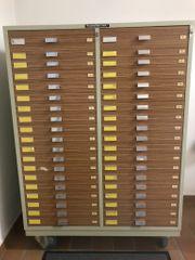 Schubladenschrank mit 38 Einzelschüben abschließbar