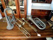 Antike Blasinstrumente Trompete Fanfare Dekoration