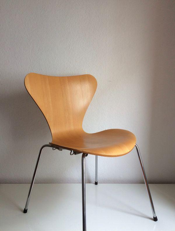 Fritz Hansen 3107 Stuhl von Arne Jacobsen mit ...
