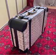 Sehr schöner edler MCM Koffer