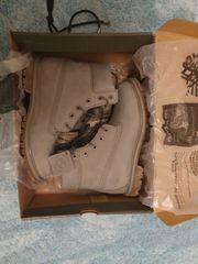 Timberland Premium Boots in hellgrau