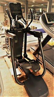 PRECOR AMT 835 Adaptive Motion