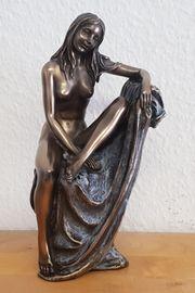 sehr schöne erotische Frauenfigur auf