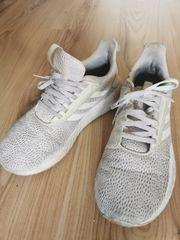 Getragene Frauen Schuhe