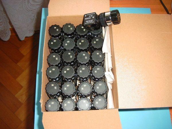 Biete 12 Klöckner-Moeller Einbauschalter mit
