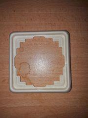 JUNG Steckdosenrahmen Rahmen cremeweiß 05581