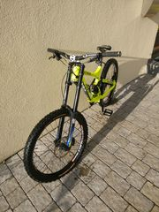 Downhill Commencal Supreme DH V3