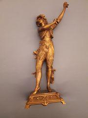 Bronzefigur mit Kastagnetten aus den