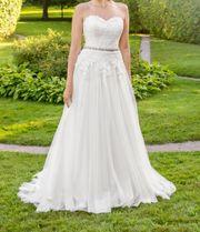 Brautkleid von V V