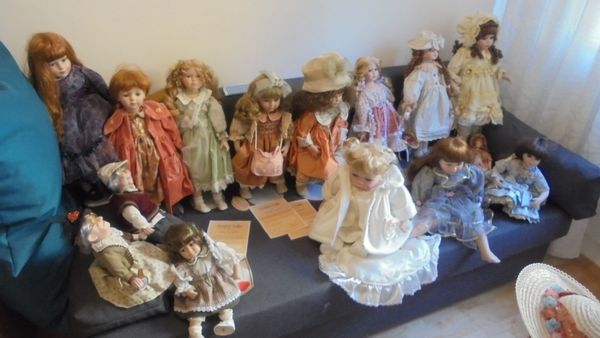 Puppensammlung Country Doll House of