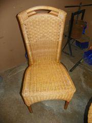 Rattan Tisch und Stuhl