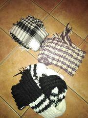 2 x Schal und 1