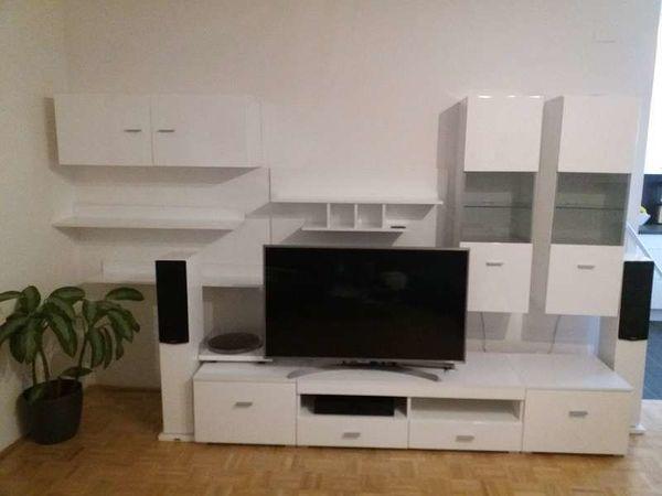 Wohnzimmerverbau Hochglanz weiß