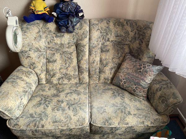 Sofa Zweisitzer