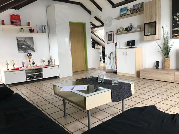 Schöne 1 Zimmer Wohnung In Rheinnähe Mit övnp Anbindung 470 Eur In