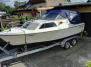 Sportboot- Motorboot mit Trailer