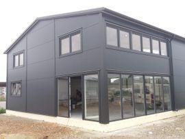 Büros, Gewerbeflächen - Stahlhalle Gewerbehalle mit Beuro- Wohnbereich