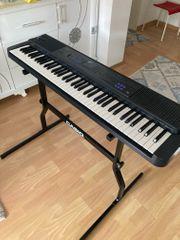Keyboard mit 76 Tasten
