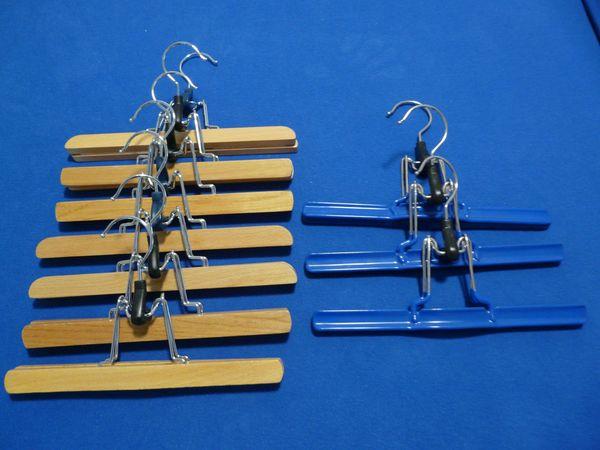 5 Hosenbügel aus Holz
