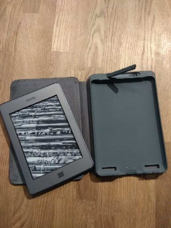 E-reader amazon kindle touch