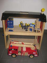 Feuerwehrhaus aus Holz