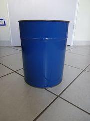 blauer Blecheimer