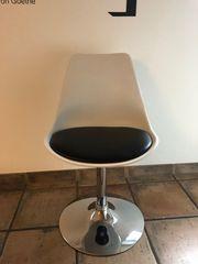 Moderne coole Essplatz-Stühle