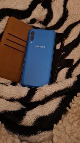 Samsung S50