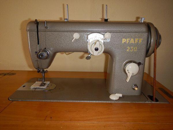 Pfaff 230 Nähmaschine incl Schrank