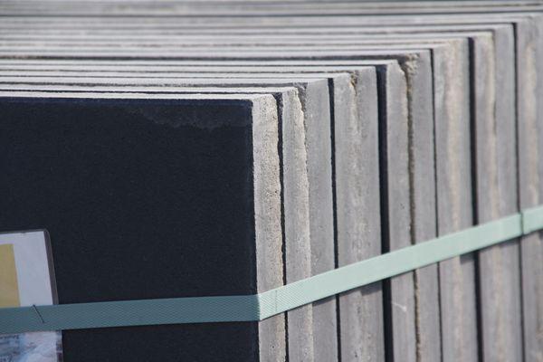 Terrassenplatte Sizilien anthrazit Terassenstein Gehwegplatten