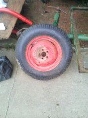 ladewagen Reifen mit Felge gut