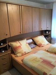 Schlafzimmer Bett Überbau Nachttisch Rost