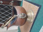 Kupfergießkanne Kupfergefäss und antikes Kupfertablett