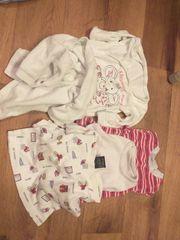 Biete Kinder Baby Kleiderpaket für