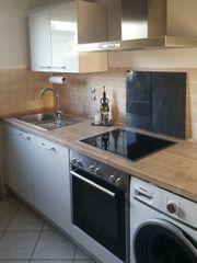 Küchentraum in Hochglanz-Weiß und Siemens