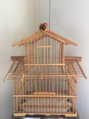 Dekorativer Vogelkäfig aus Bambus