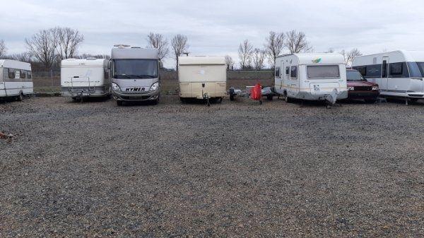 Stellplatz für Wohnwagen Wohnmobil Trailer