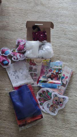 Sew Cool Kindernähmaschine pink zum: Kleinanzeigen aus München Bogenhausen - Rubrik Sonstiges Kinderspielzeug