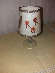 Altes Glas mit Lampenschirm Vintage