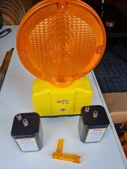 Baustellenwarnleuchten LED gelb mit Batterieblocks