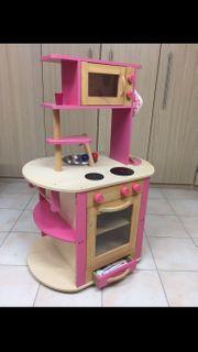 Kinderküche mit viel Zubehör
