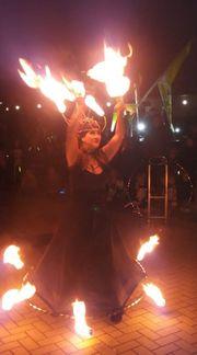 Feuershow Fireshow Feuerkunst Feuerkünstler Feuerspucker