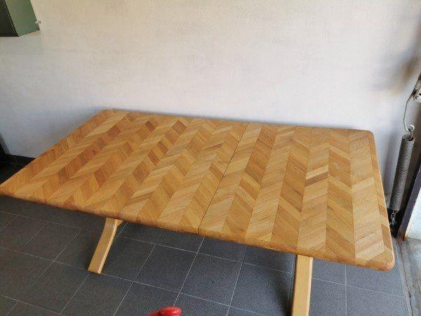 Esstisch aus Vollholz - Tisch
