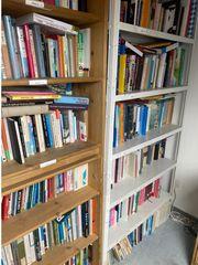 Mehrer tausend Bücher zu verschenken