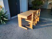 Schulbank Schreibtisch mit 2 Stühlen